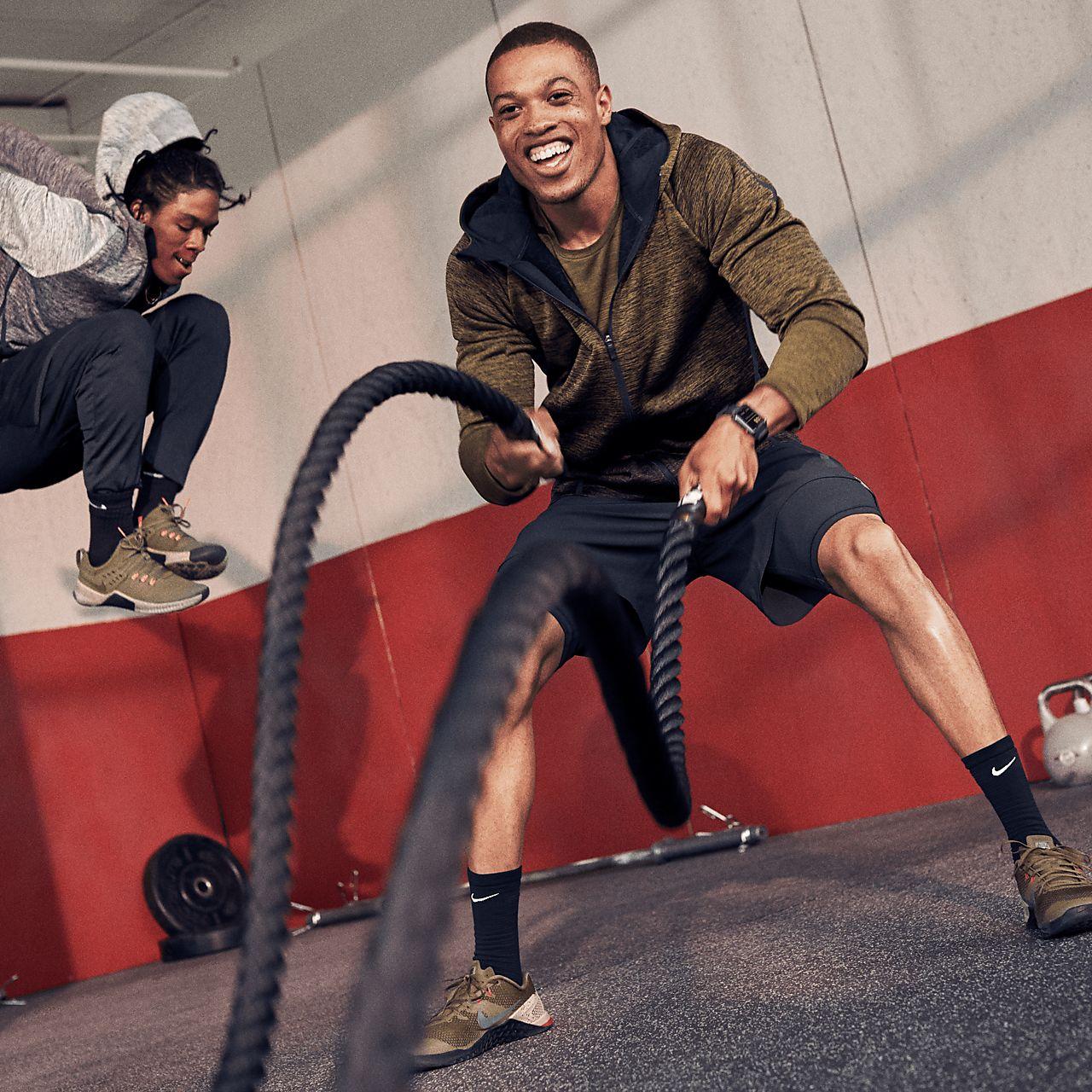 1704716f169 Nike Therma-Sphere Premium Men s Training Jacket. Nike.com GB