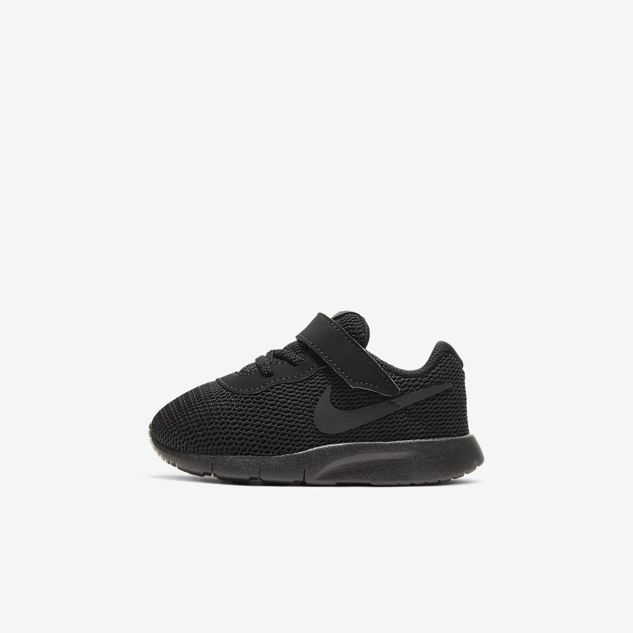 Nike Tanjun-sko for baby/småbarn (17–27)