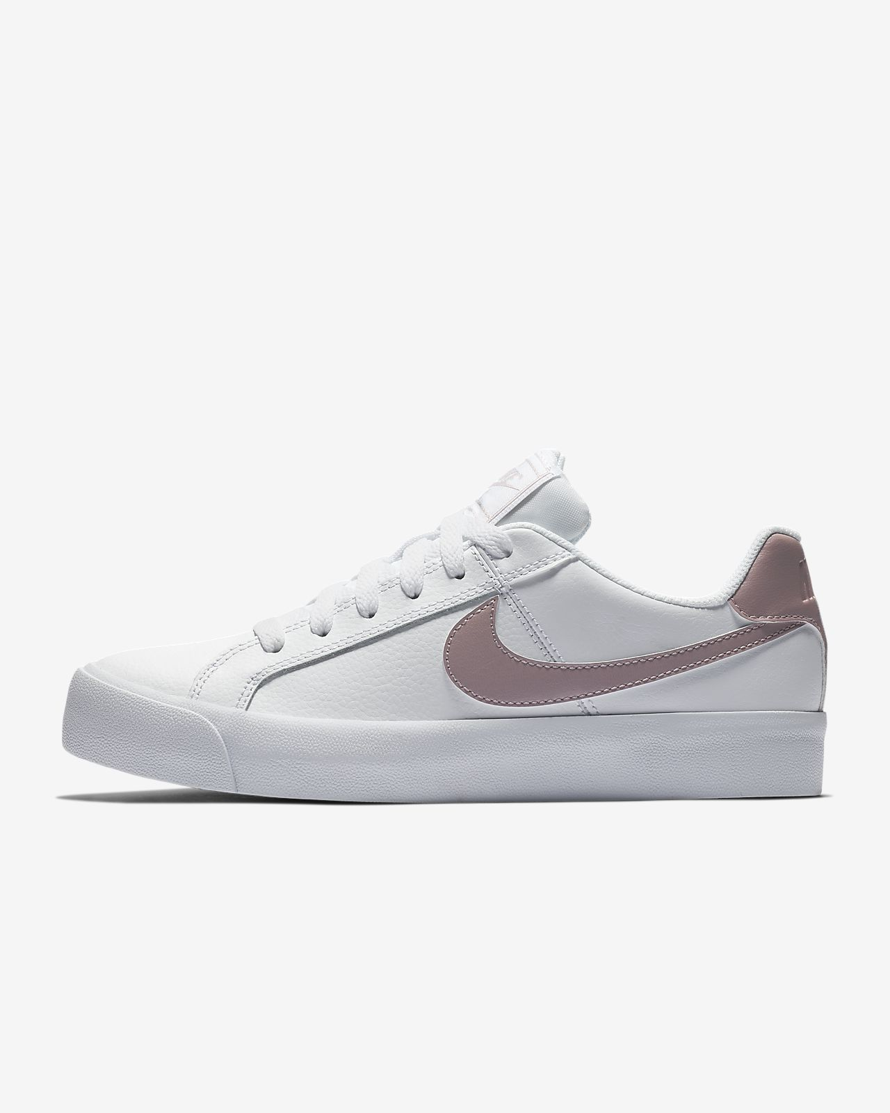 huge selection of 0d8b0 63bd0 NikeCourt Royale AC