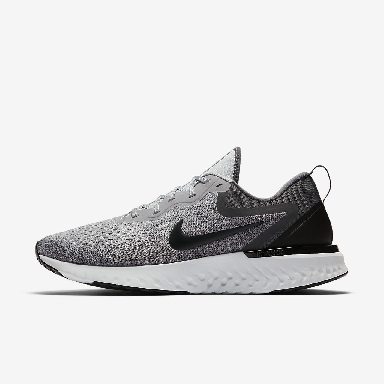 Nike Chaussures Odyssey Course Réagissent - Noir / Blanc hvsSrAKC