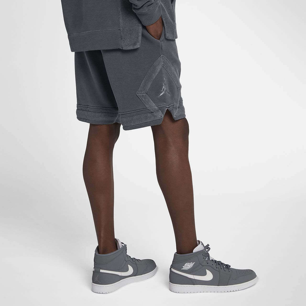 40704761d6e Jordan Sportswear Diamond Men's Washed Fleece Shorts. Nike.com IN