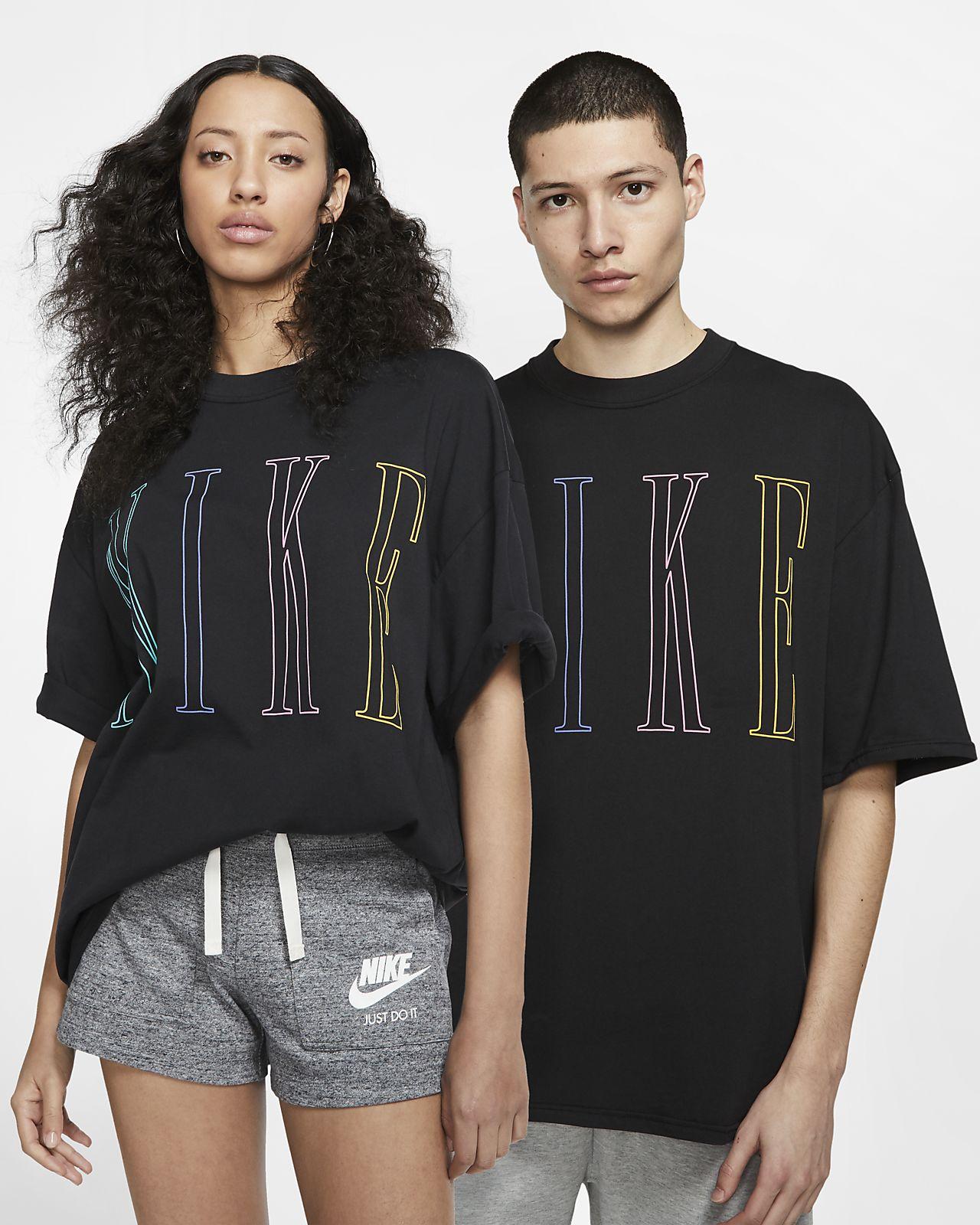 Nike T-shirt met korte mouwen en rechte vorm