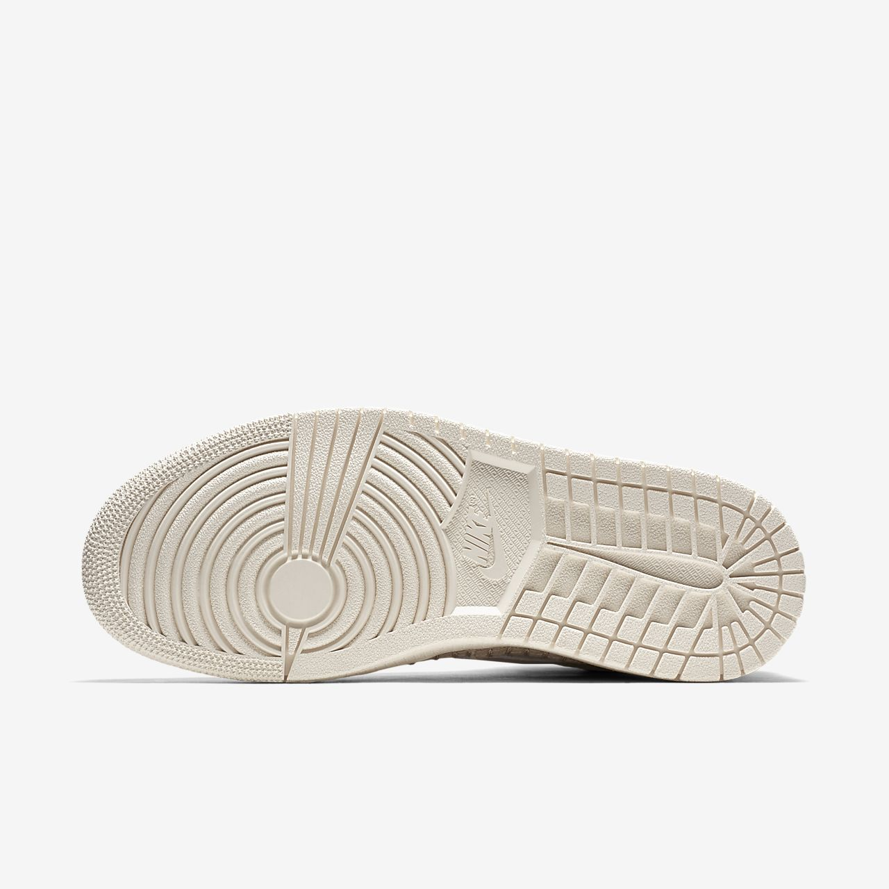 06a7b3f867fe Nike Air Jordan 1 Retro High Premium Women s Shoe. Nike.com BE