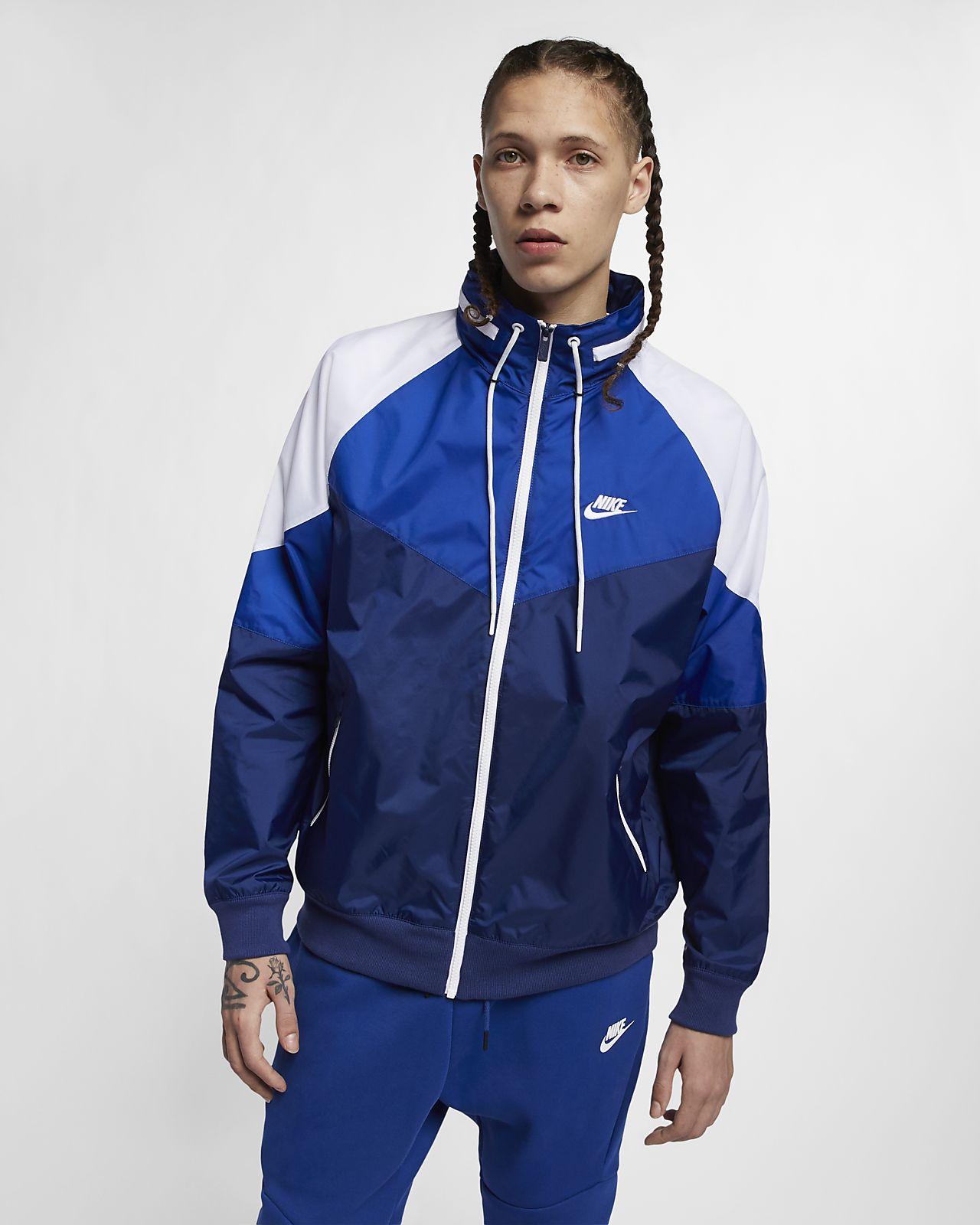 14cec36aa3f2 Nike Sportswear Windrunner Men s Packable Hood Windbreaker. Nike.com DK