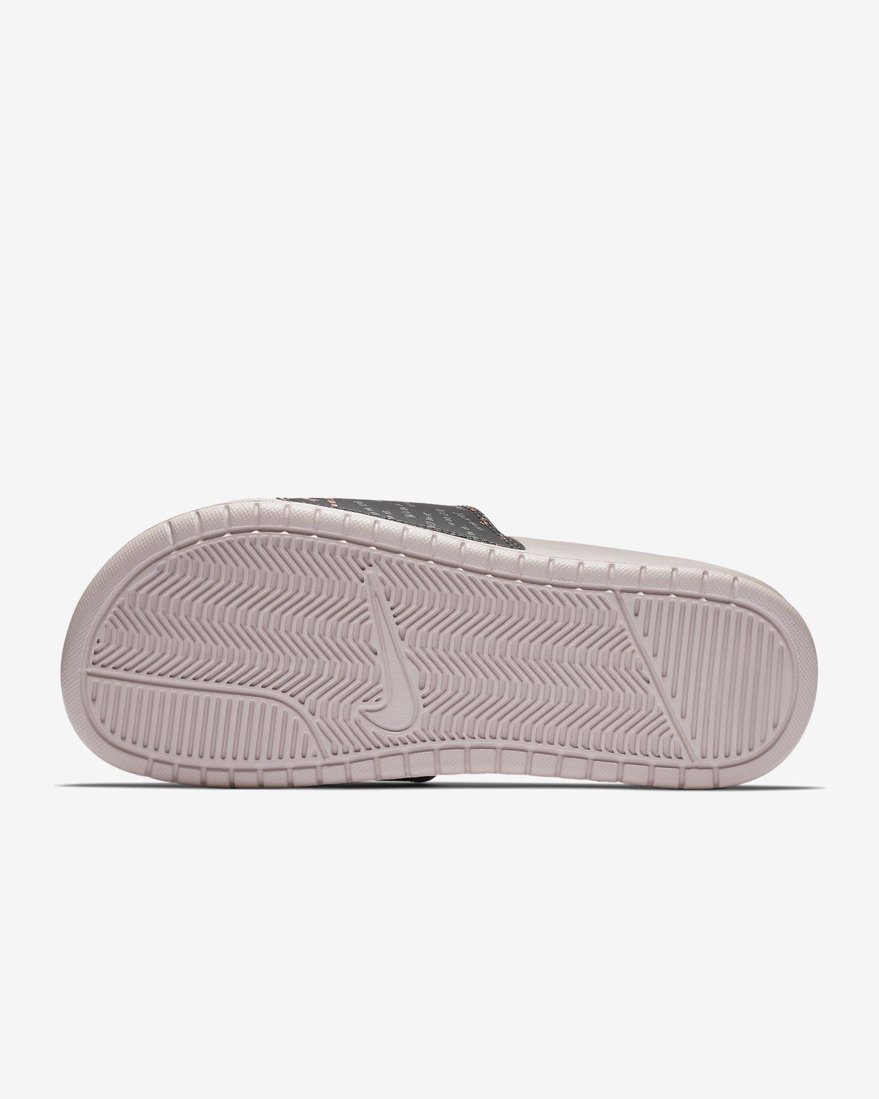 Femmes Nike Benassi Jdi Diapositives Powerpoint Impression bonne vente vente discount sortie eZ4QUN1xKN