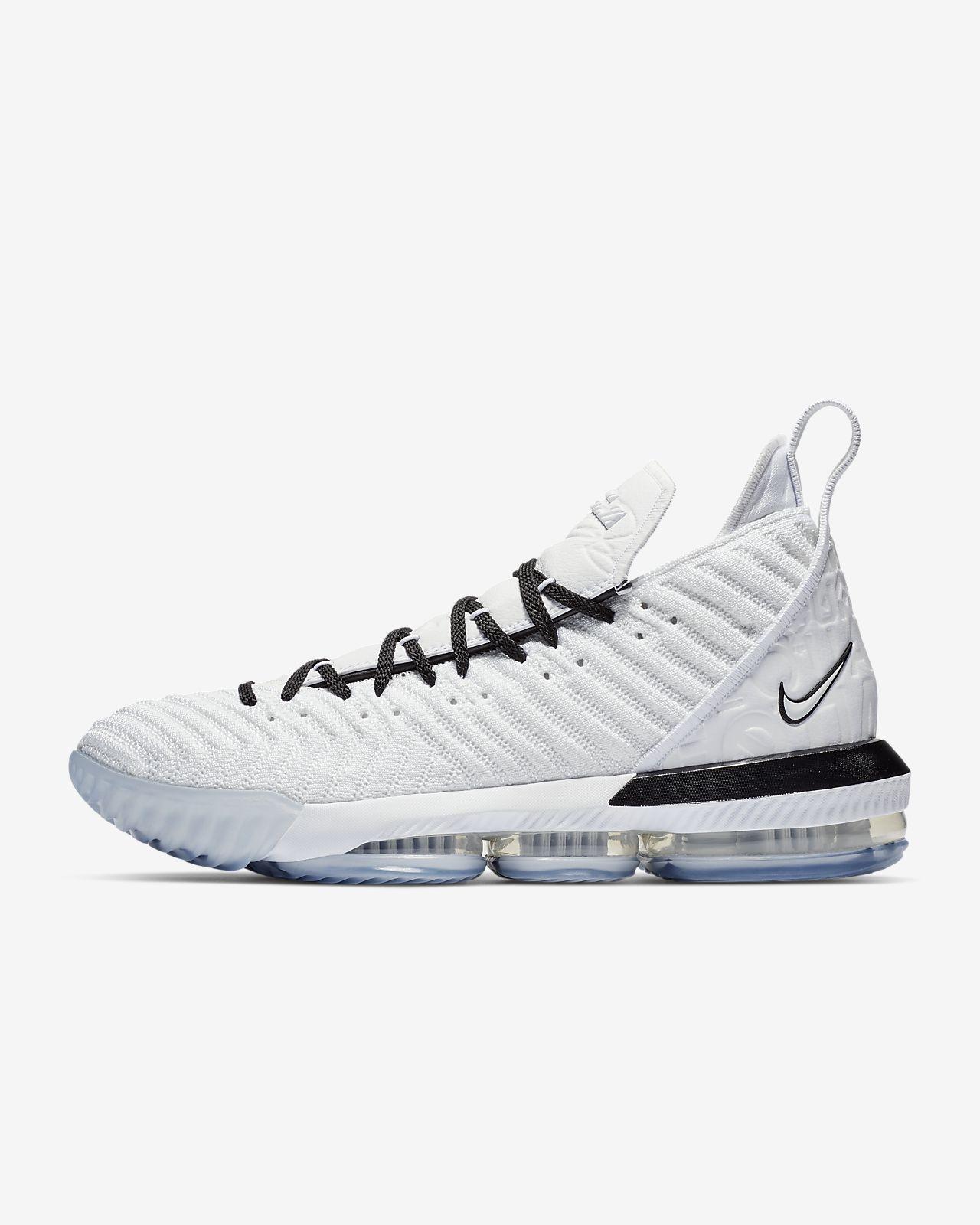 รองเท้าบาสเก็ตบอล LeBron 16