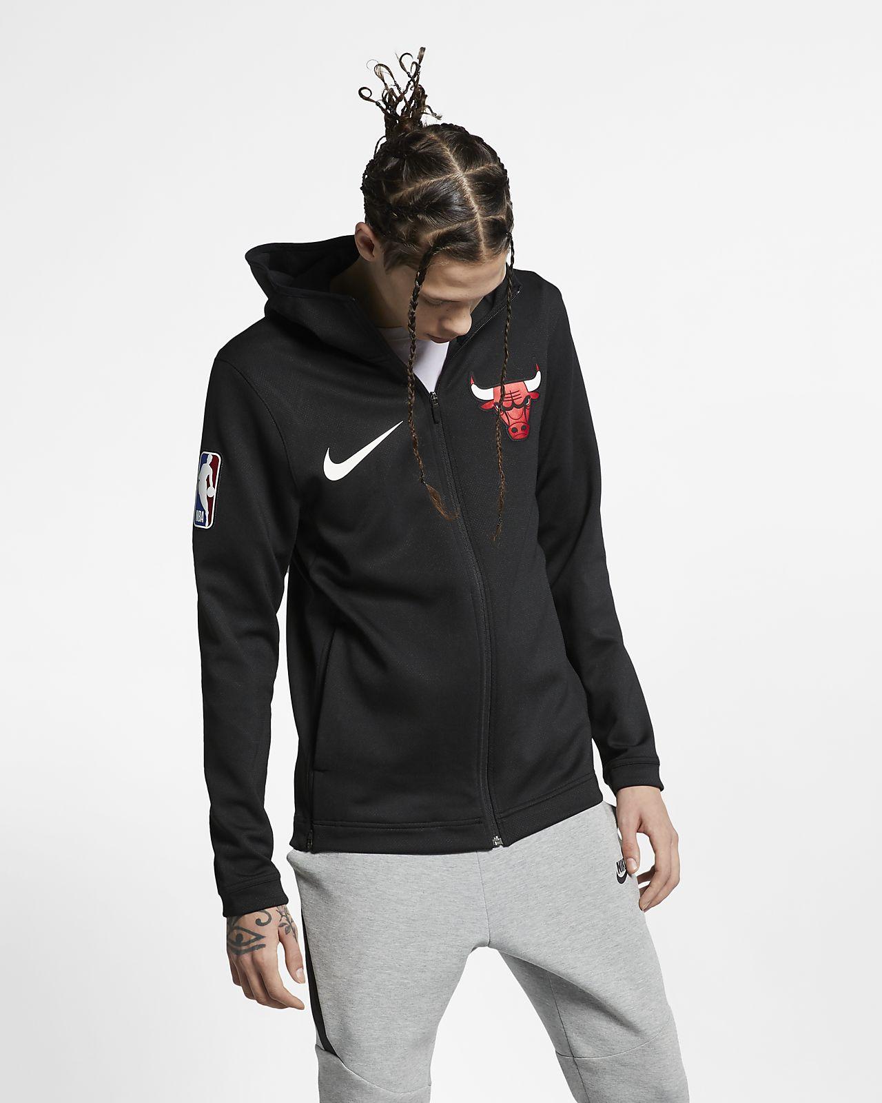 64dd1b6356adb5 Chicago Bulls Nike Therma Flex Showtime NBA-Hoodie für Herren. Nike ...