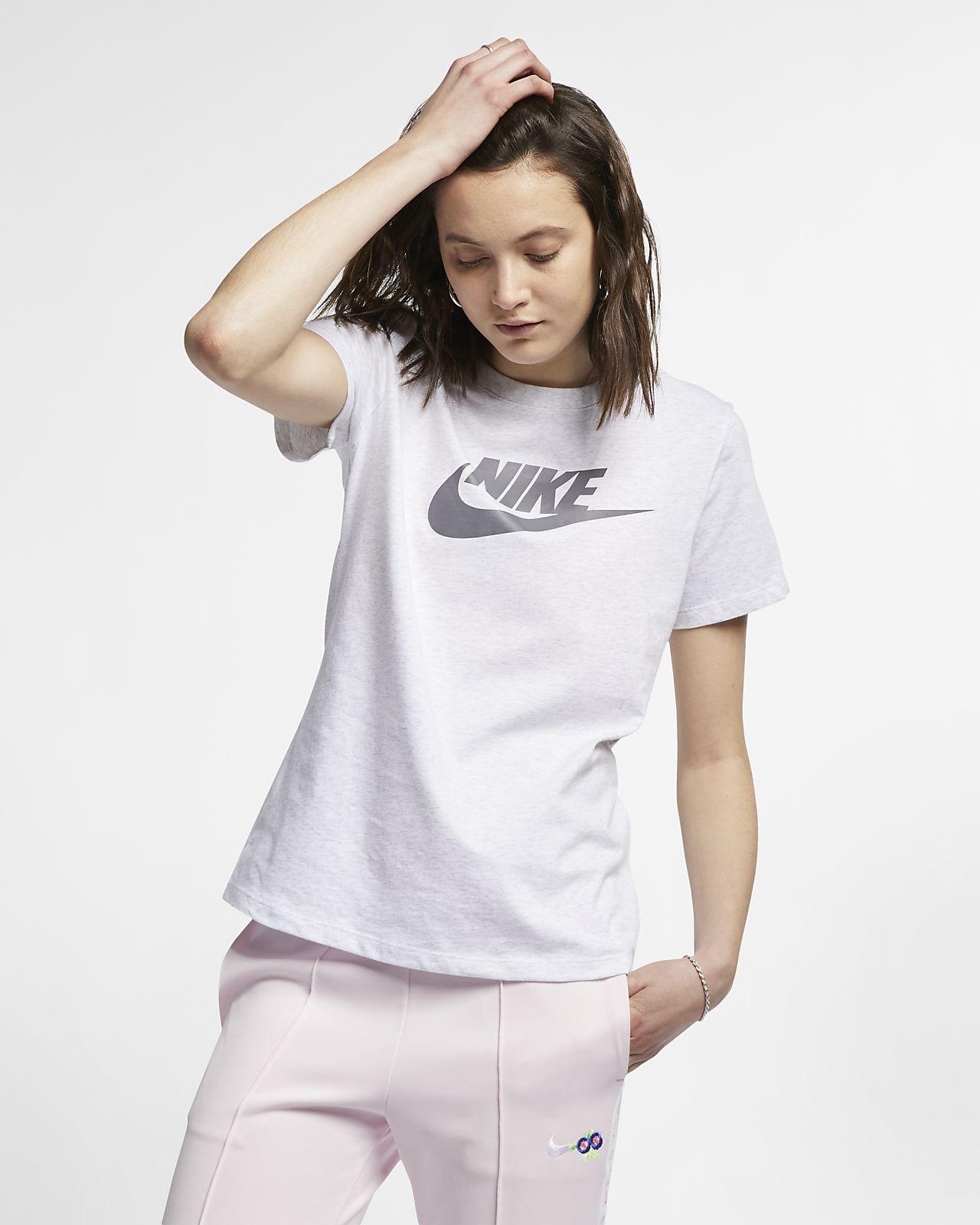640c2b880 Nike Sportswear Essential Women's T-Shirt. Nike.com