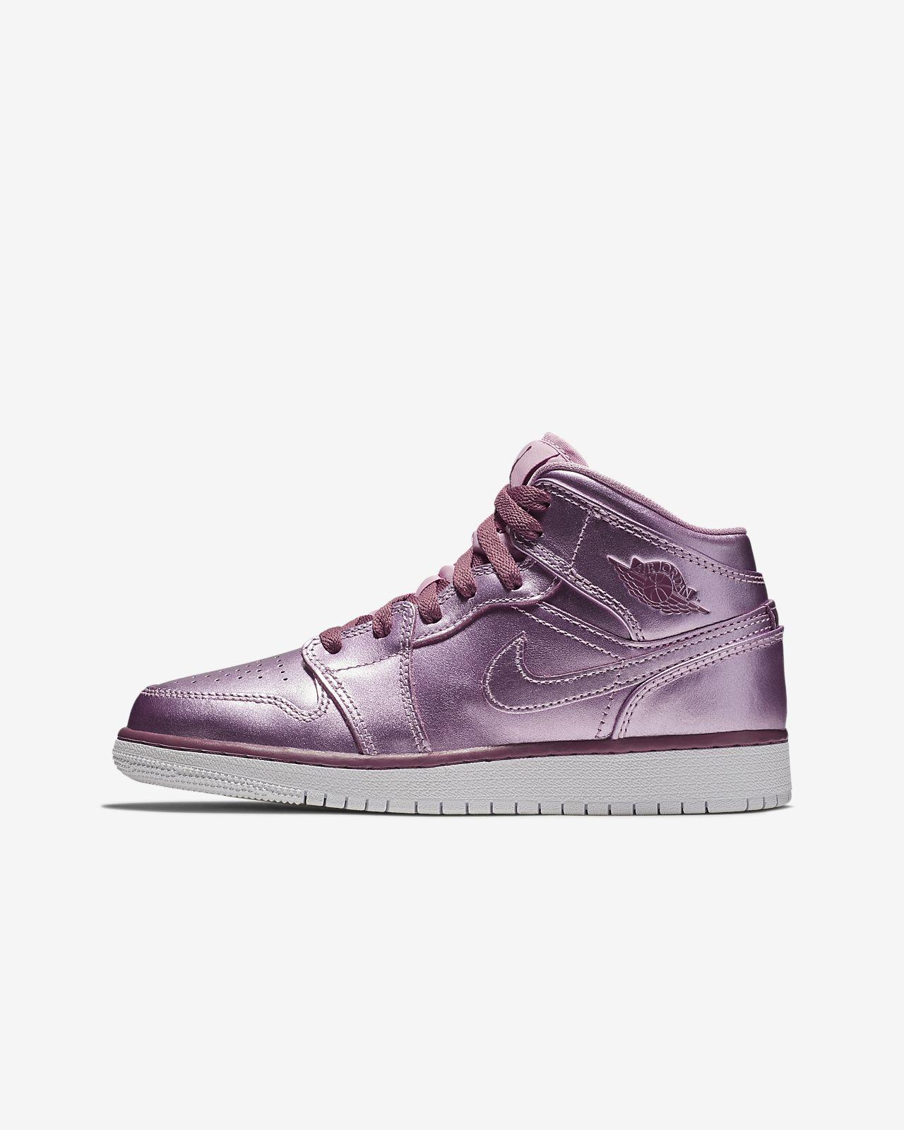 a7f3c273749fb1 Air Jordan 1 Mid SE Big Kids  Shoe (3.5y-9.5y). Nike.com