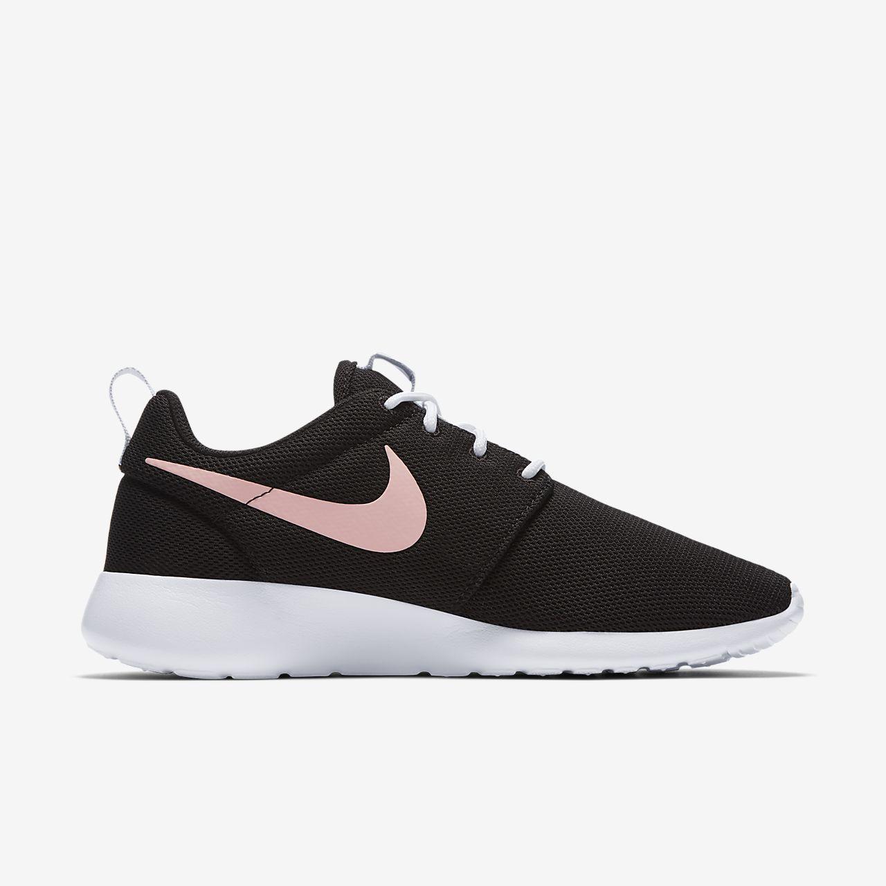Topánky Nike Roshe One Wmn (blackwhite dark grey