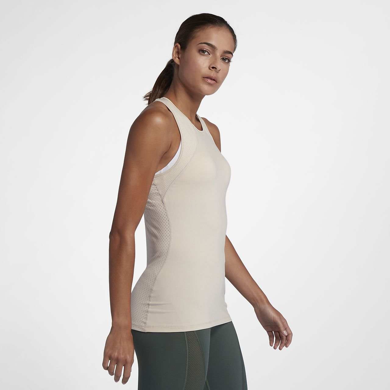 3016d51b7920f Nike Pro HyperCool Women s Training Tank. Nike.com NL