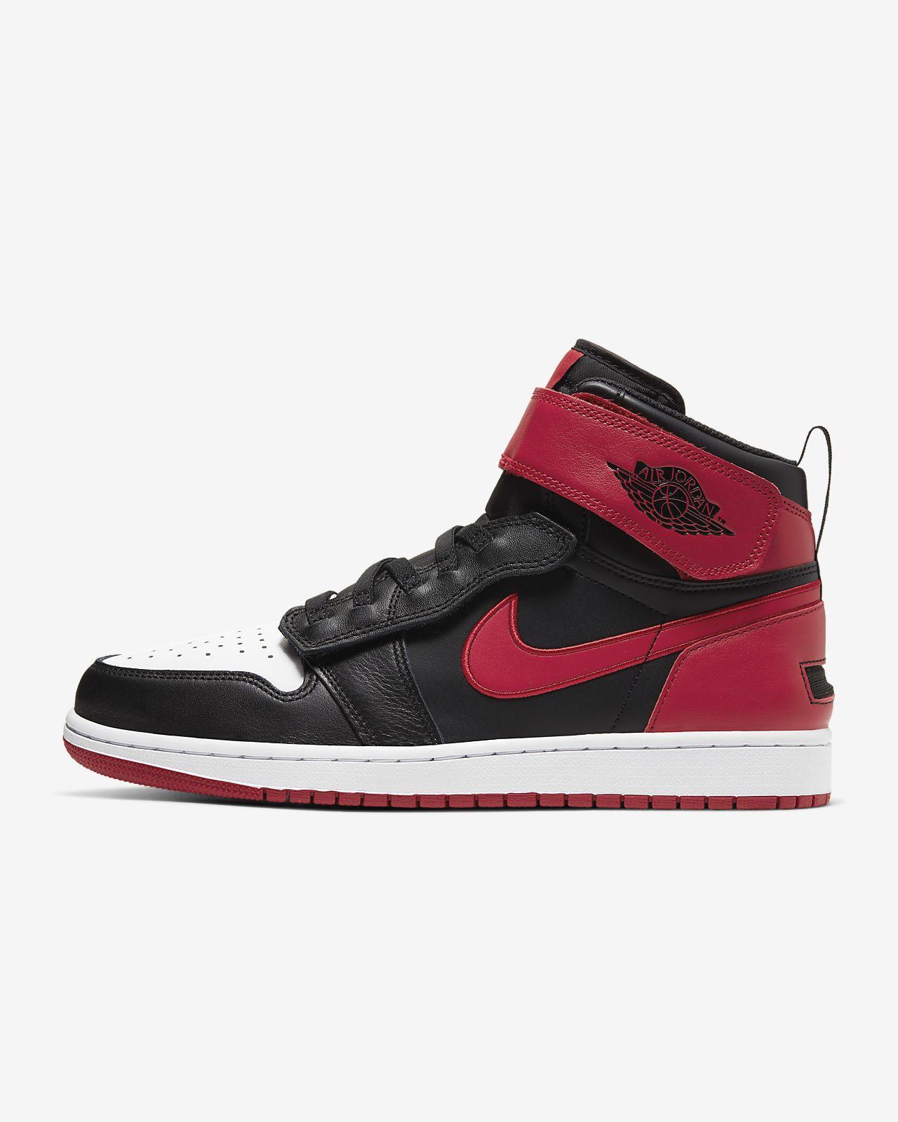 Air Jordan 1 Hi FlyEase Shoe
