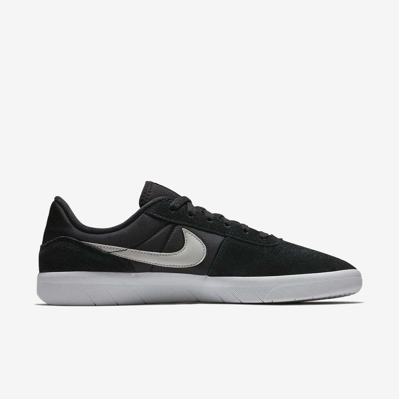 Nike Chaussures De Skate En Toile Plus Port Vert Nike Vert oWECFnho55