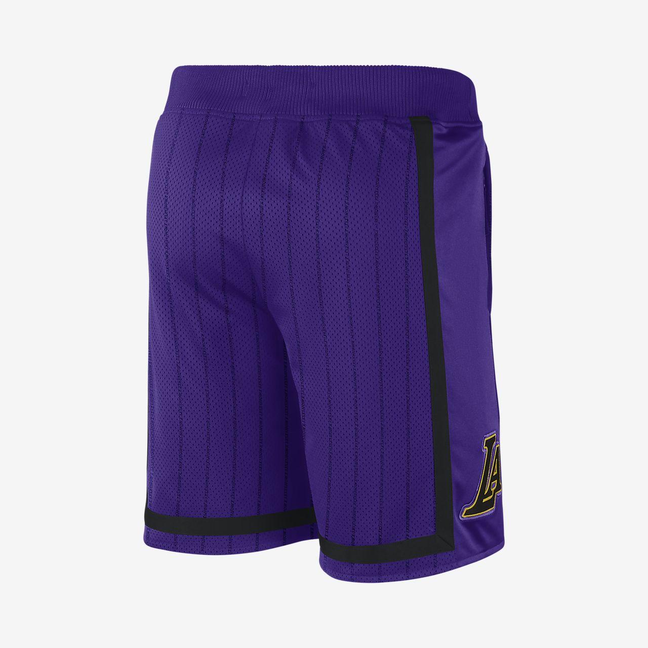 84943b4a6 Los Angeles Lakers Nike Courtside Men s NBA Shorts. Nike.com CH