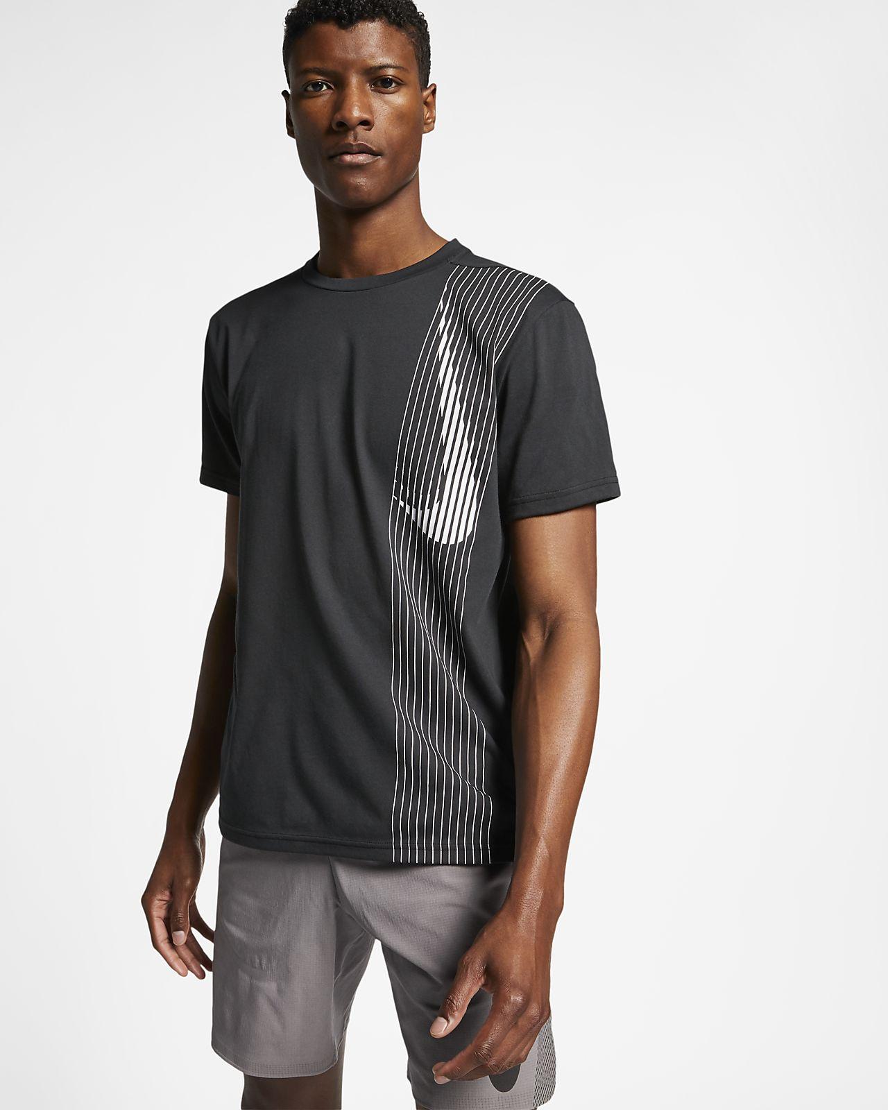 เสื้อเทรนนิ่งแขนสั้นผู้ชาย Nike Dri-FIT