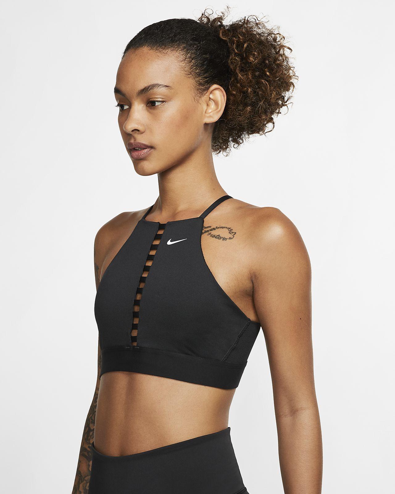 Nike Indy Sport-bh voor yoga met lichte ondersteuning