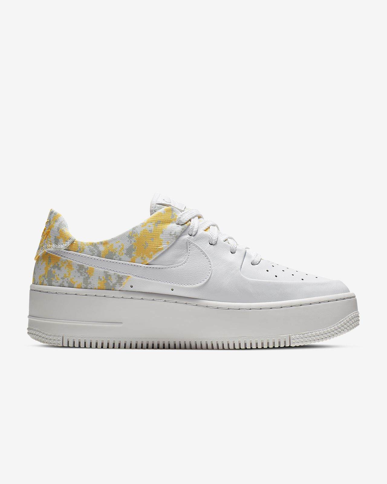 brand new 78bc2 b3ead Chaussure Nike Air Force 1 Sage Low Premium Camo pour Femme. Nike.com CA
