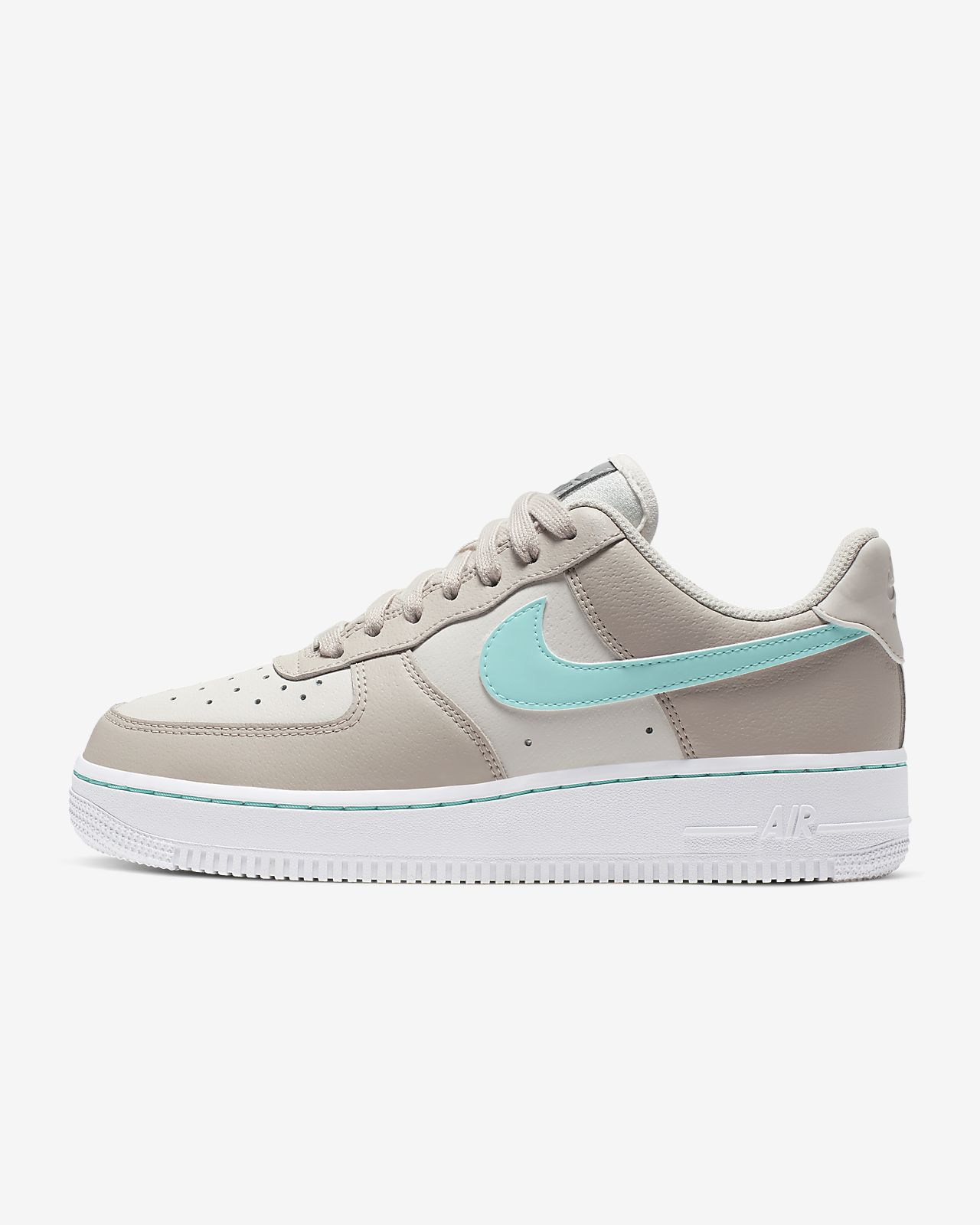 tout neuf b10a8 a53e5 Chaussure Nike Air Force 1 Low pour Femme