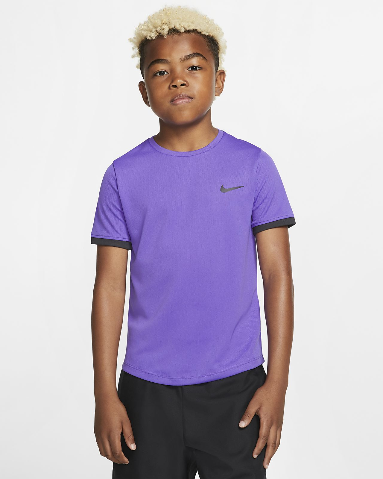 NikeCourt Dri-FIT kortermet tennisoverdel til store barn (gutt)