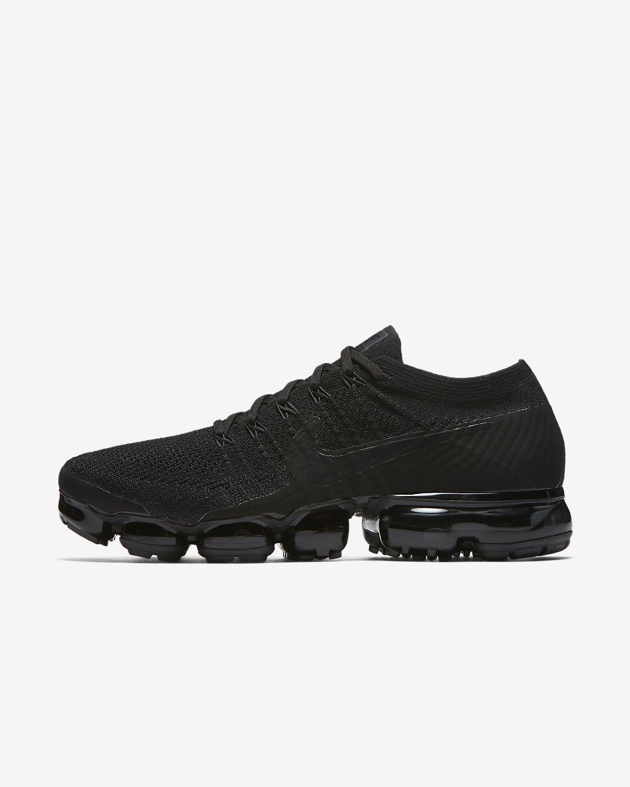 ... Chaussure de running Nike Air VaporMax Flyknit « Triple Noir » pour  Homme