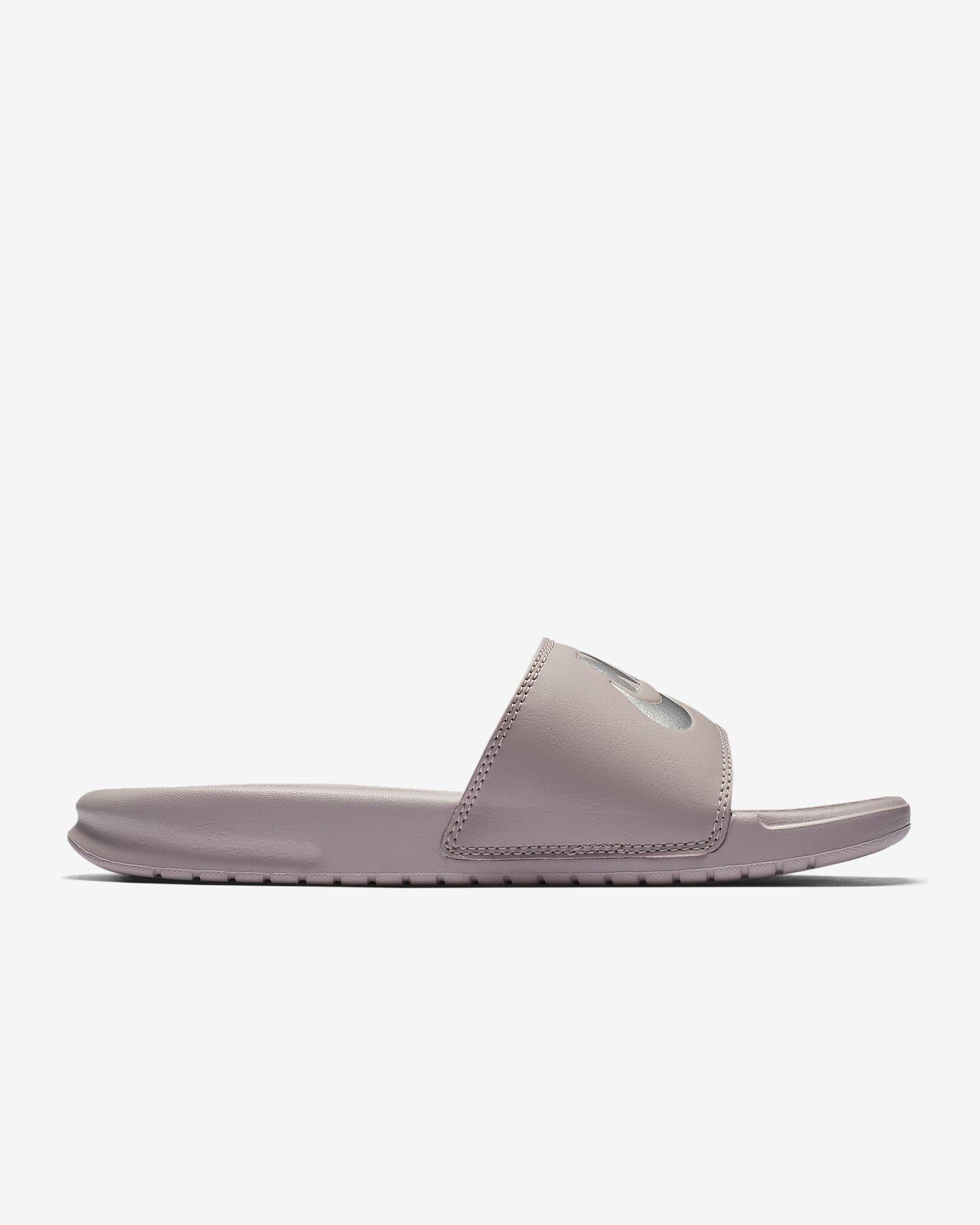 Nike Benassi Damen Badeslipper. Nike  DE Verkaufspreis