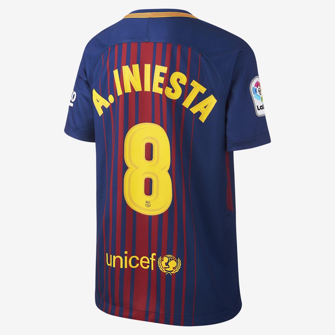 976010fc368b9 ... Camiseta de fútbol para niños talla grande de local del FC Barcelona  (Andres Iniesta)