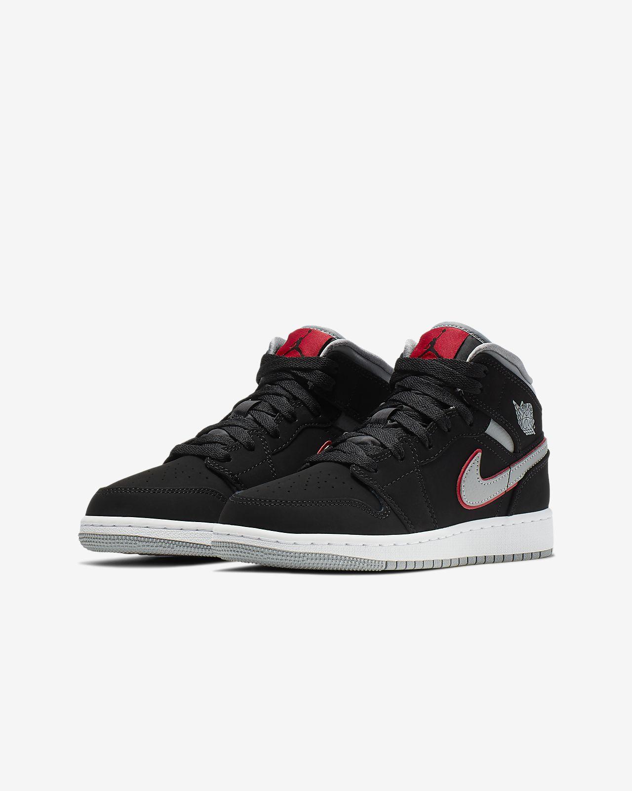 3c206cb05dbc88 Air Jordan 1 Mid Big Kids  Shoe. Nike.com