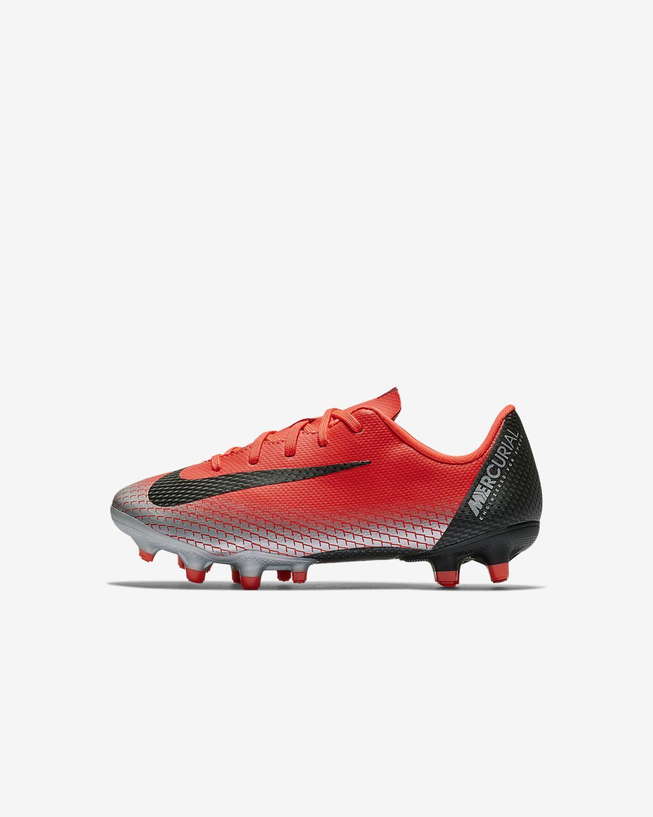Calzado de fútbol para múltiples superficies para niños talla pequeña Nike Jr. Mercurial Vapor XII Academy CR7