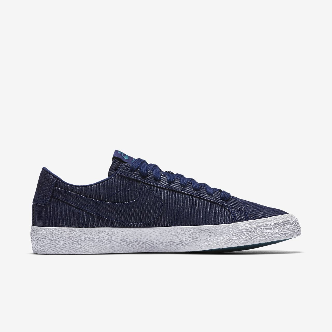 ... Chaussure de skateboard Nike SB Zoom Blazer Low Canvas Deconstructed  pour Homme 16808827d
