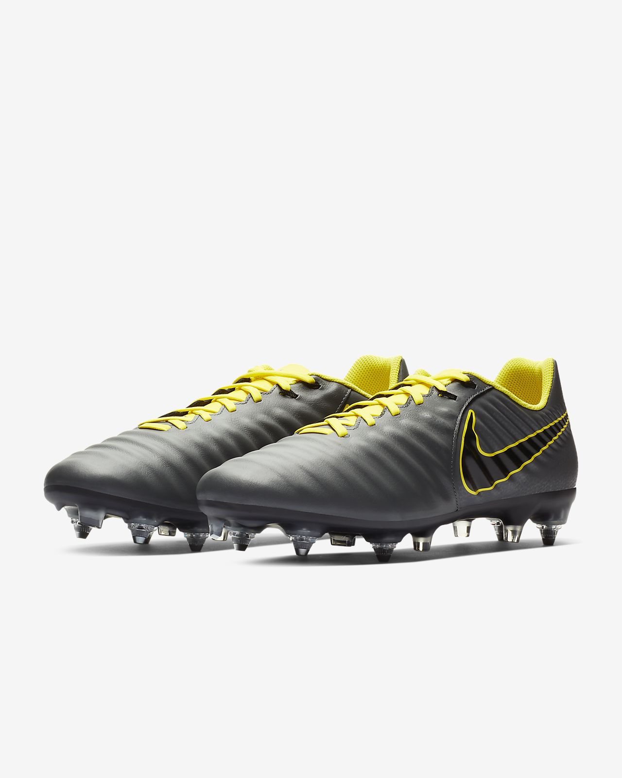 41ad648e9 Soft-Ground Pro Football Boot. Nike Legend 7 Academy SG-Pro Anti-Clog  Traction