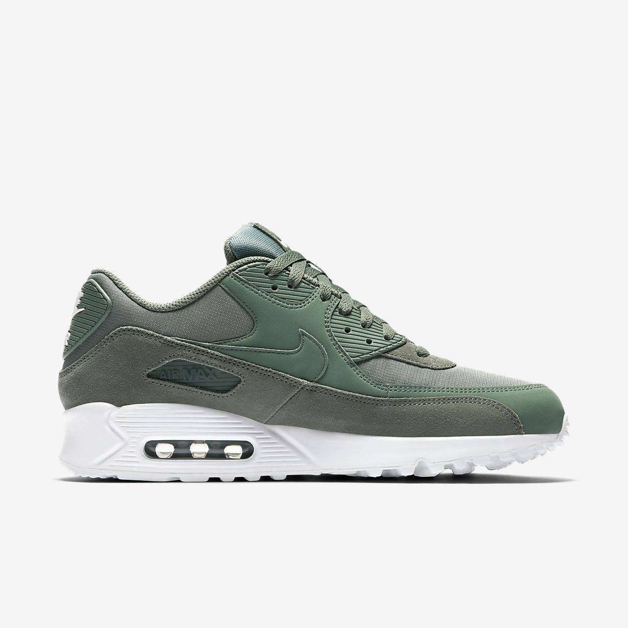 official photos f8d8a c8445 Chaussures Nike Air Max 90 Essential vertes homme Footlocker En Ligne  cIhklCZT