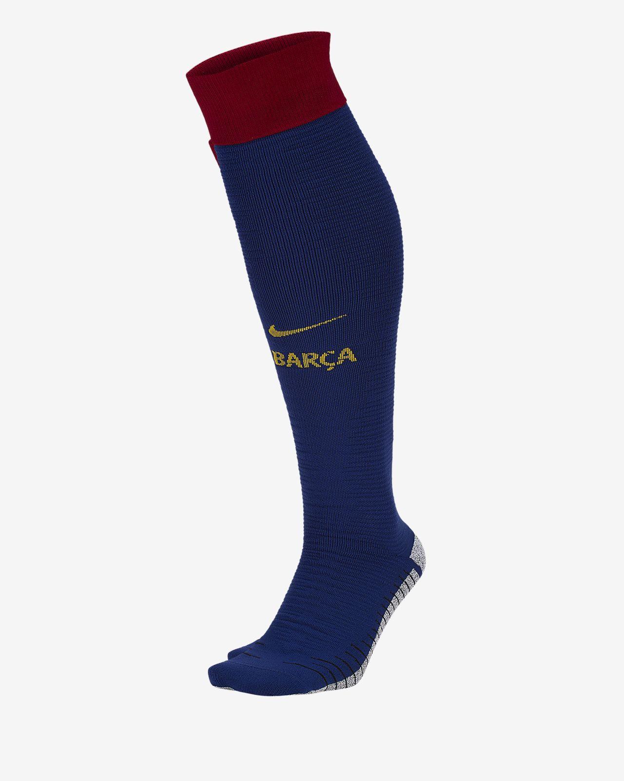 Meias do equipamento principal sobre os gémeos FC Barcelona Match 2019