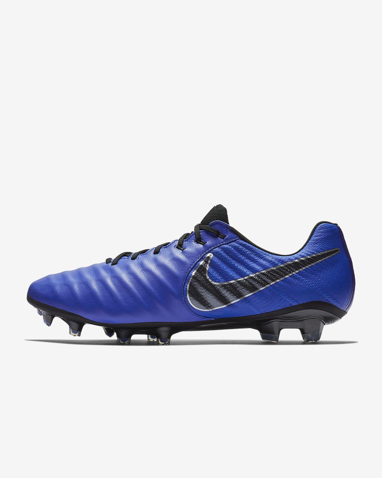 huge discount 3f767 4c3cd ... Chaussure de football à crampons pour terrain sec Nike Legend 7 Elite FG