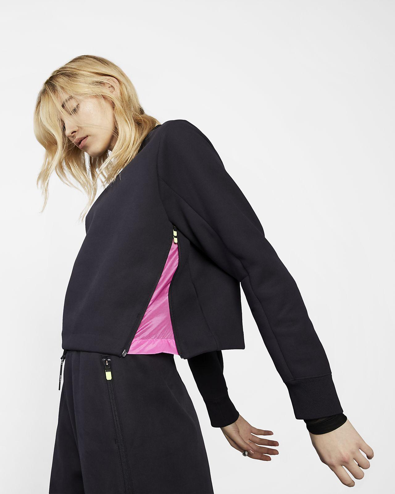 Nike Sportswear Tech Pack Damen-Rundhalsshirt