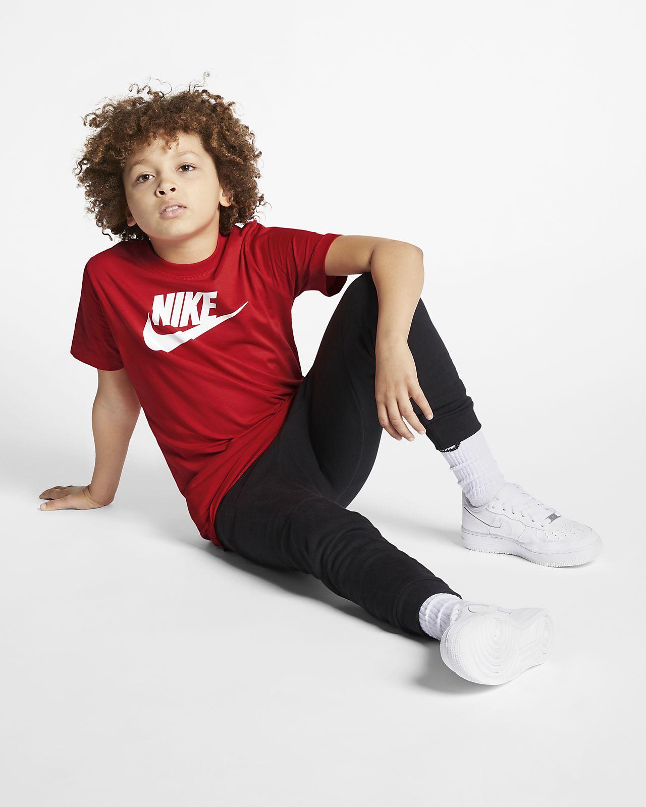 c68a3c2fc657 Nike Sportswear Older Kids  (Boys ) T-Shirt. Nike.com GB