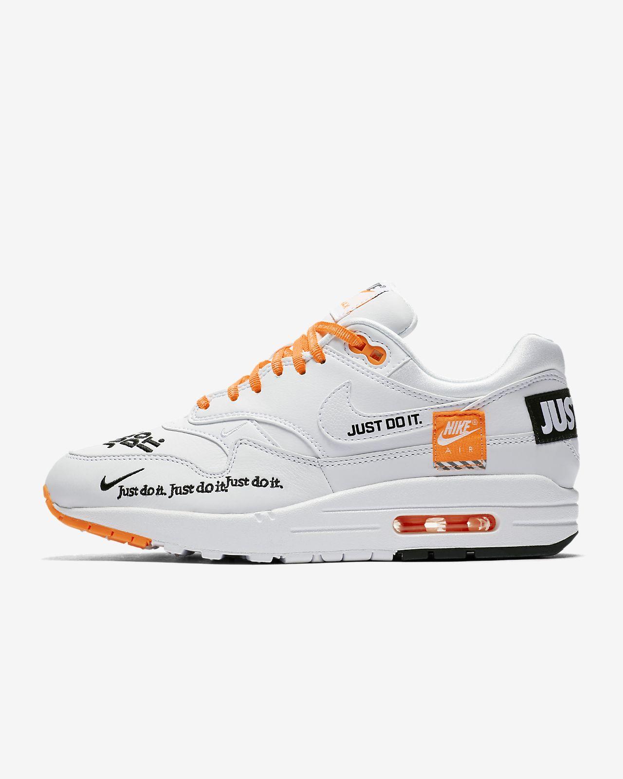 รองเท้าผู้หญิง Nike Air Max 1 LX