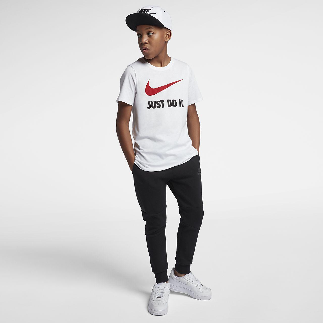 8917835d83359 Nike Just Do It Swoosh Older Kids  (Boys ) T-Shirt. Nike.com ZA