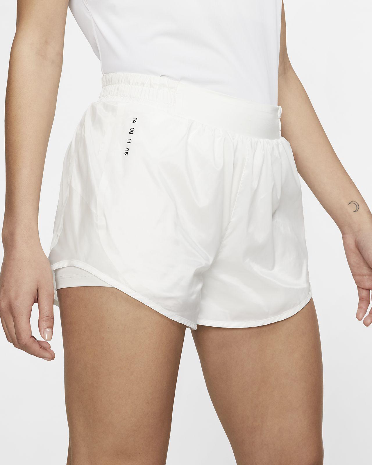 กางเกงวิ่งขาสั้นผู้หญิง Nike Tempo