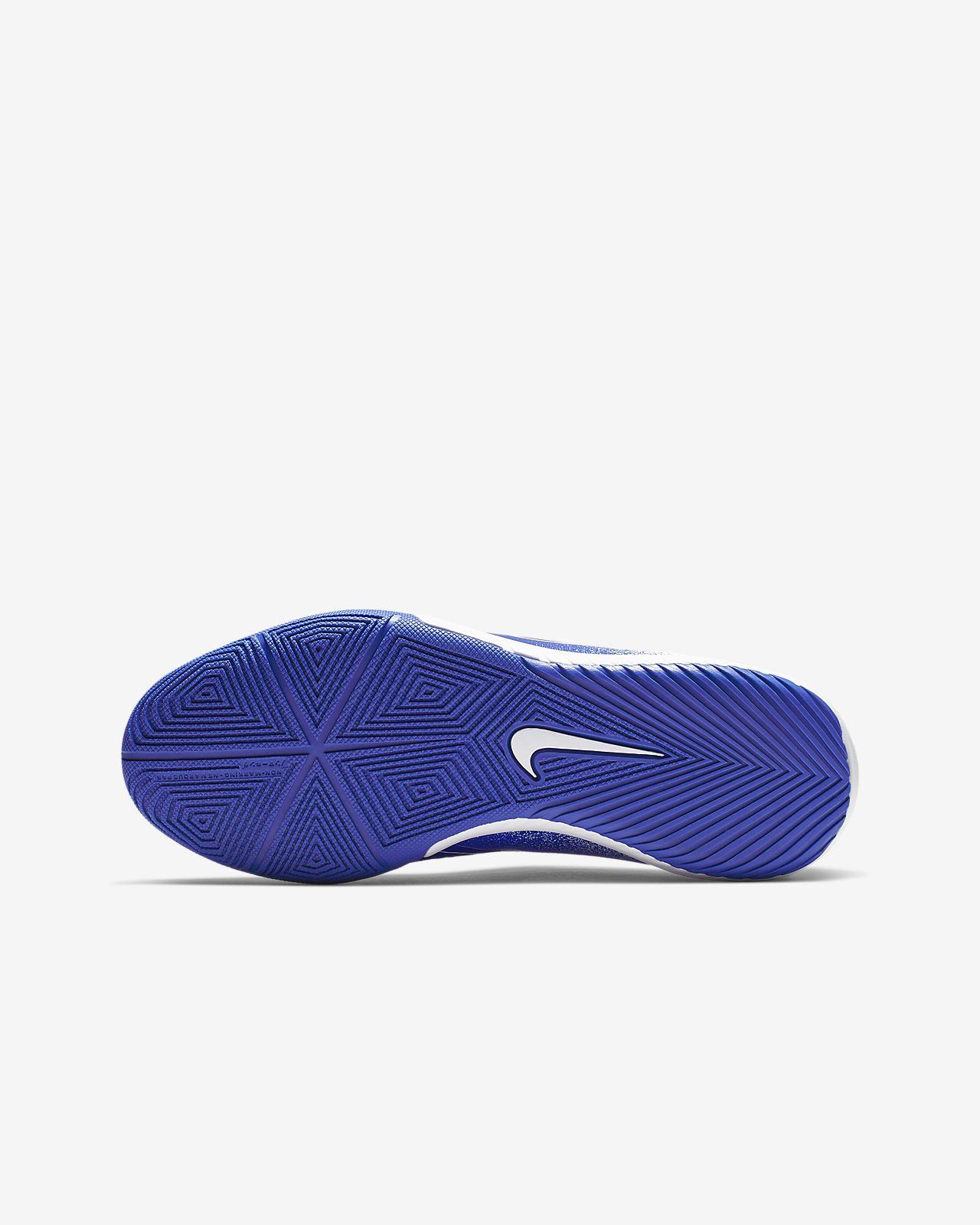size 40 390f2 efd48 ... Nike Jr. Phantom Venom Academy IC Older Kids  Indoor Court Football Boot