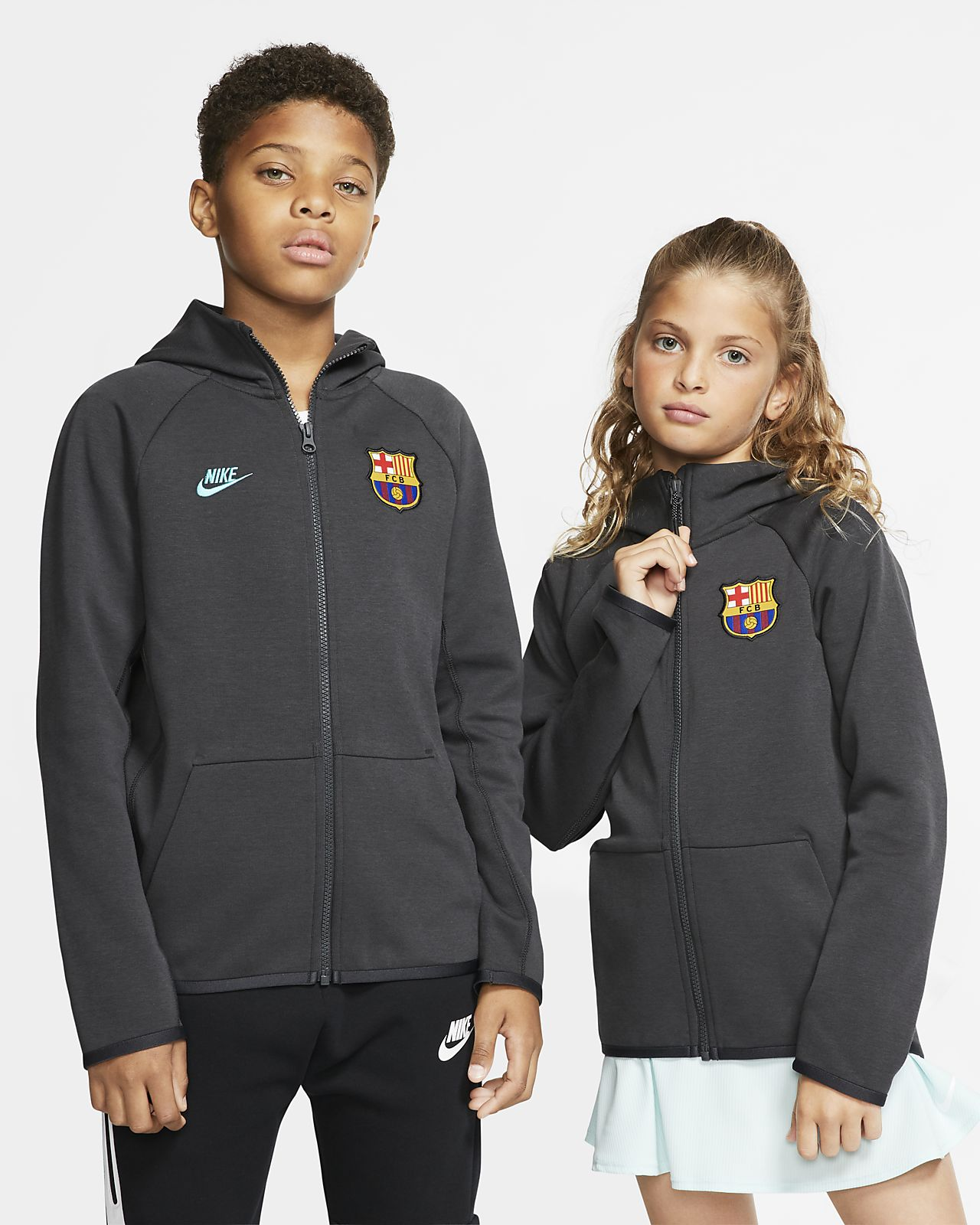 FC Barcelona Tech Fleece Essentials Older Kids' Full-Zip Hoodie
