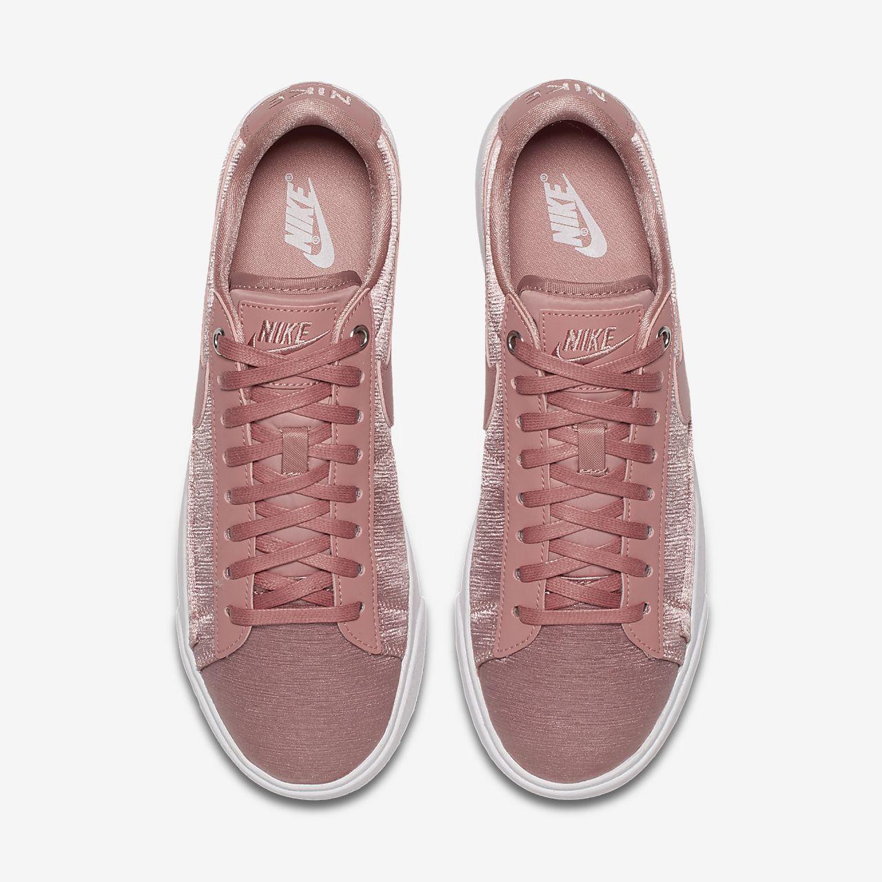รองเท้าผู้หญิง Nike Blazer Low SE