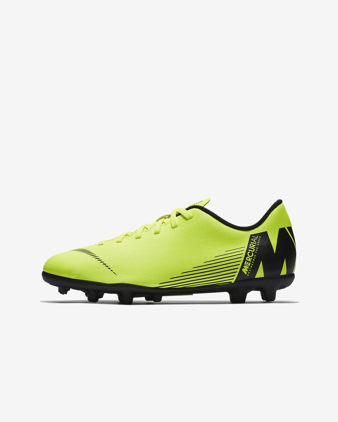 ... Calzado de fútbol para múltiples superficies para niños talla grande Nike  Jr. Vapor 12 Club 06c0229291dd4
