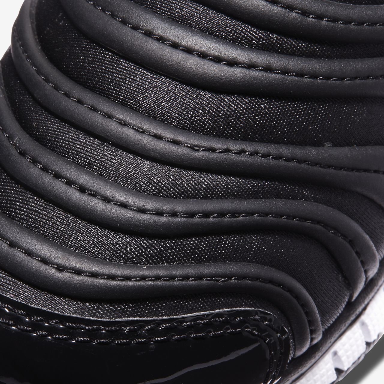 disfruta de precio barato primer nivel calidad estable Nike Dynamo Free Younger Kids' Shoe. Nike SG