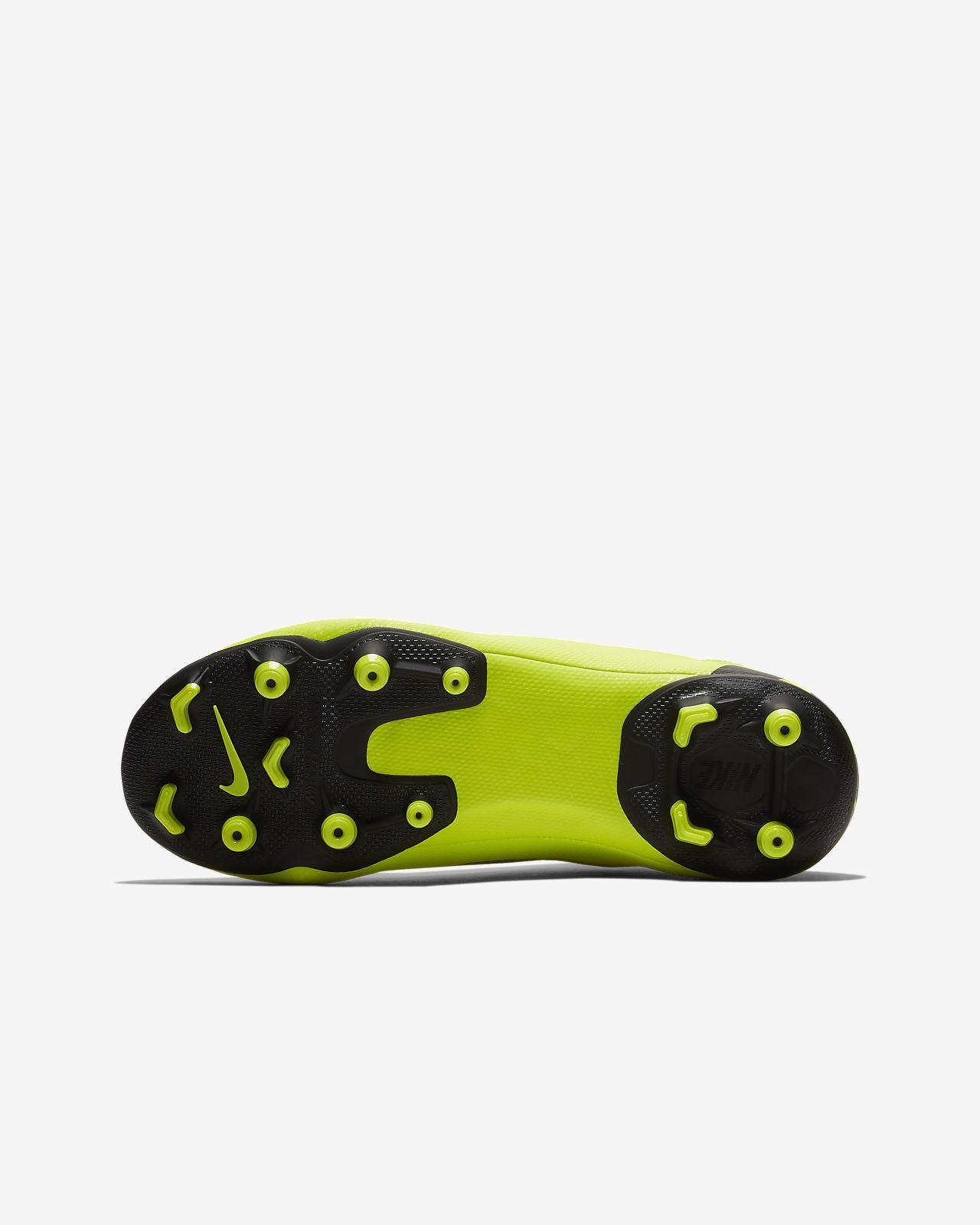 outlet store 1fd32 ce7e9 ... Fotbollssko för varierat underlag Nike Jr. Superfly 6 Academy MG för  barn ungdom