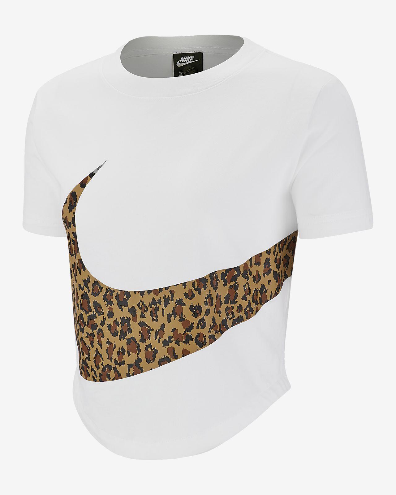5a8b9f9b9c4d Haut court à imprimé animal Nike Sportswear pour Femme. Nike.com FR
