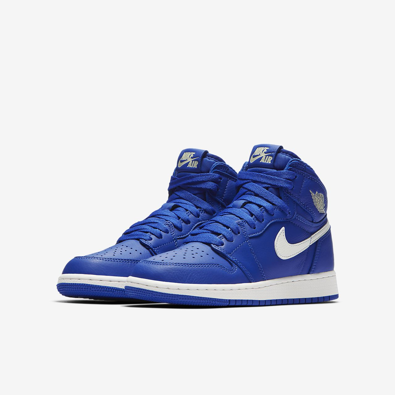 uk availability b8856 a0e12 ... Air Jordan 1 Retro High OG Boys  Shoe