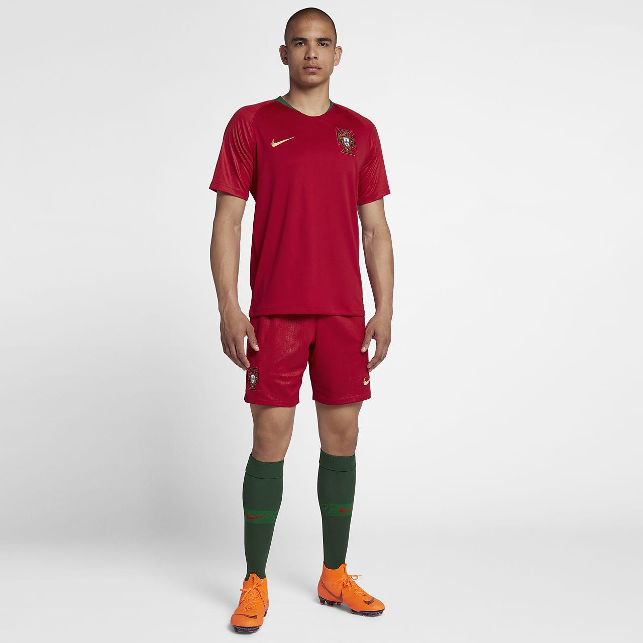 abce037e4 2018 Portugal Stadium Home Men's Football Shorts. Nike.com IL
