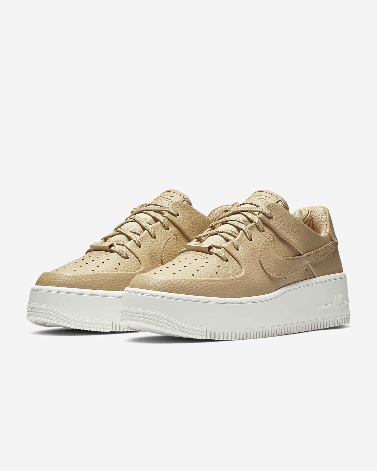 0f87aa660 Nike Air Force 1 Sage Low Women's Shoe. Nike.com NO