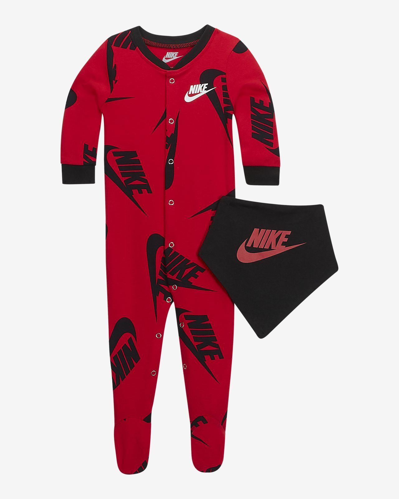 Dvoudílná souprava Nike Sportswear pro kojence s kombinézou a bryndáčkem