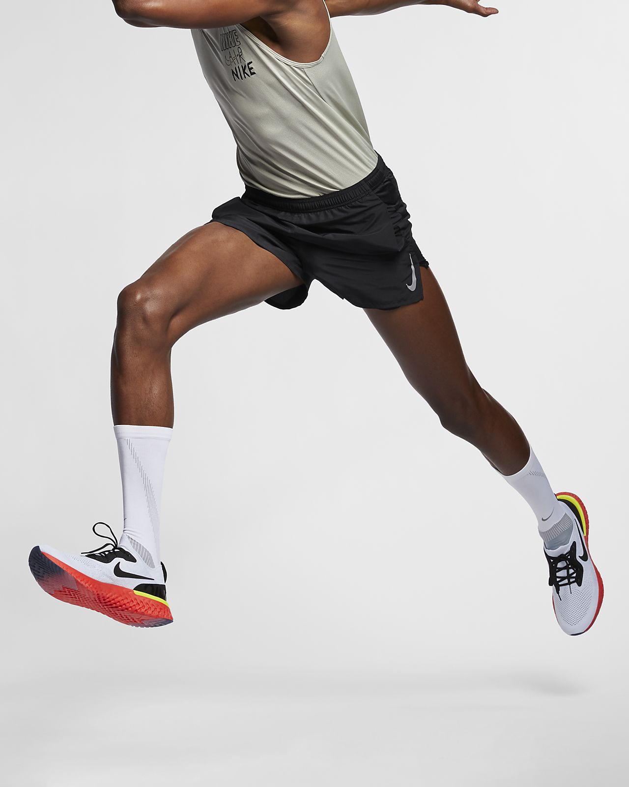 กางเกงวิ่งขาสั้นผู้ชาย Nike Challenger